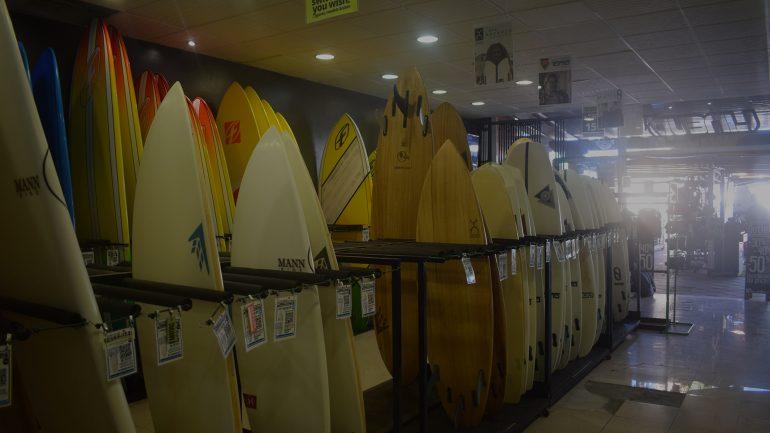 surfboard auswahl im lineup surfshop corralejo
